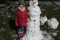Radosne zimowe zabawy pierwszaków